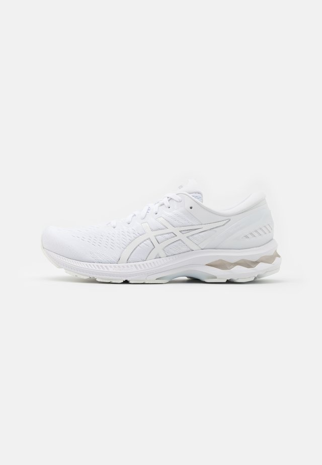 GEL-KAYANO 27 - Stabilty running shoes - white/pure silver