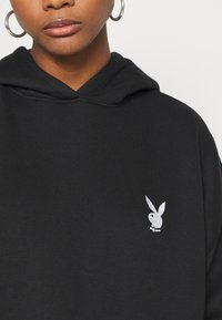 Missguided - PLAYBOY CHERRY GRAPHIC HOODY DRESS - Hoodie - black - 4