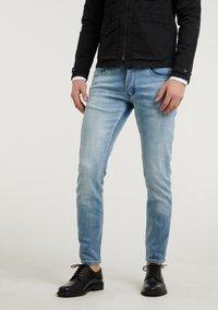 CHASIN' - Slim fit jeans - light blue - 0