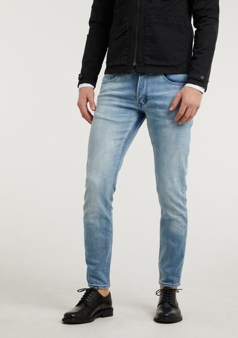 CHASIN' - Slim fit jeans - light blue