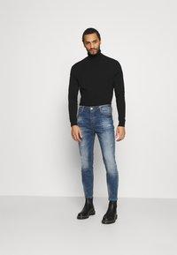 Kings Will Dream - KASSALA CARROT  - Jeans Tapered Fit - indigo - 1