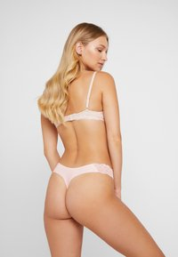Cotton On Body - PARTY SEAMLESS 3 PACK - Thong - midnight/florinal/cloud pink - 2