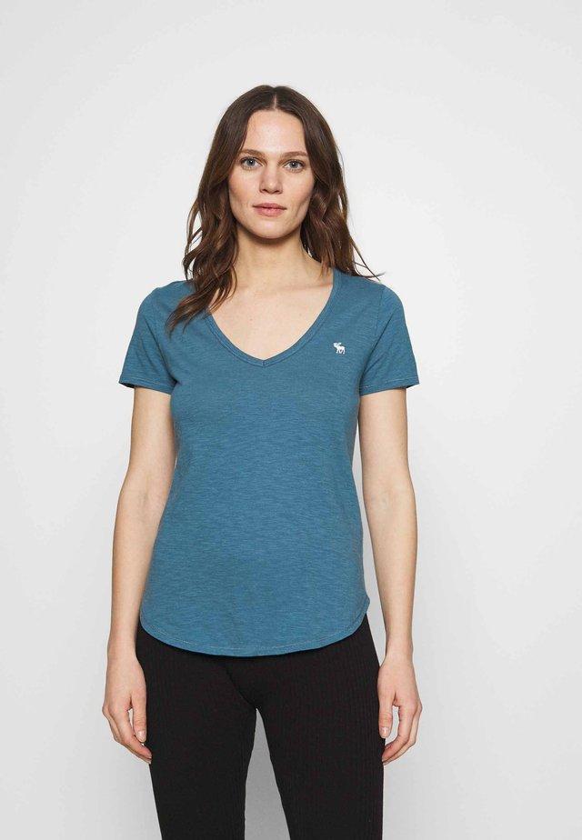 ICON VNECK TEE - T-shirt basique - blue