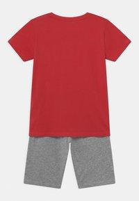 Re-Gen - TEEN BOYS SET - Camiseta estampada - tomato puree - 1