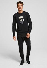 KARL LAGERFELD - Sweatshirt - black - 1