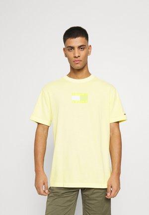 TONAL FLAG TEE - T-shirt imprimé - green