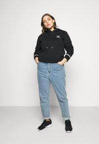 Calvin Klein Jeans Plus - EMBROIDERY HOODIE - Hoodie - black - 1
