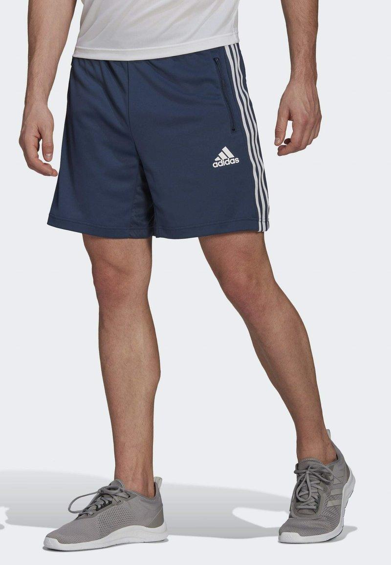adidas Performance - DESIGNED TO MOVE SPORT 3-STREIFEN  - Pantalón corto de deporte - blue