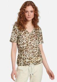 MARGITTES - Print T-shirt - beige/braun - 1