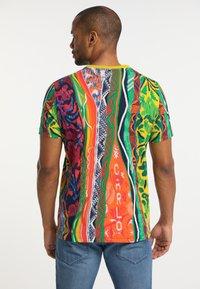 Carlo Colucci - Print T-shirt - multi-colored - 2