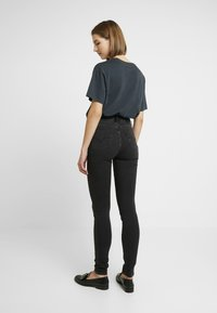 Levi's® - 721 HIGH RISE SKINNY - Jeansy Skinny Fit - shady acres - 2