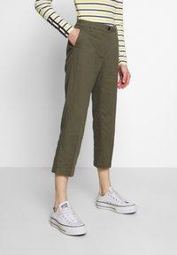 Sisley - TROUSERS - Pantaloni - khaki - 0