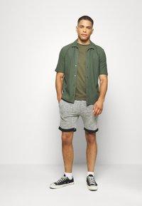 Pier One - Shorts - mottled grey - 1