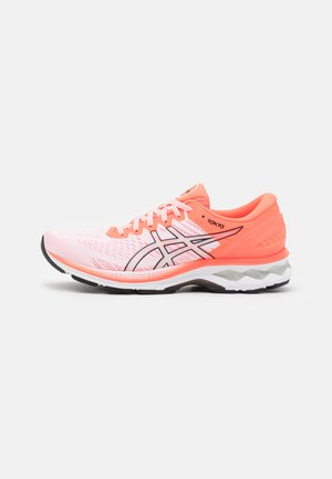 GEL KAYANO 27 TOKYO - Chaussures de running stables - white/sunrise red