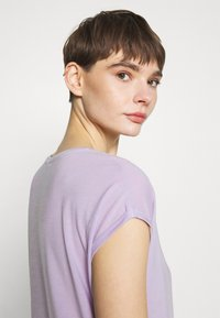 Vero Moda - Jednoduché triko - pastel lilac - 3