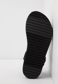 Teva - MIDFORM ARIVACA WOMENS - Walking sandals - black - 4