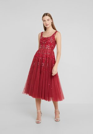 SNOWFLAKE PROM DRESS - Cocktail dress / Party dress - cherry red
