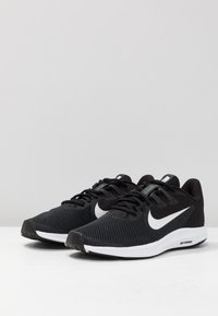 Nike Performance - DOWNSHIFTER  - Zapatillas de running neutras - black/white/anthracite/cool grey - 2
