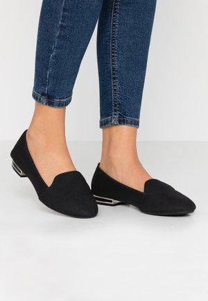 JOSSELIN - Scarpe senza lacci - black