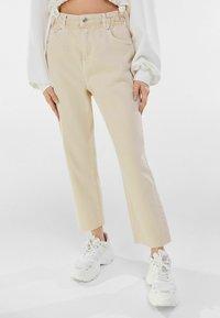 Bershka - Straight leg jeans - beige - 0