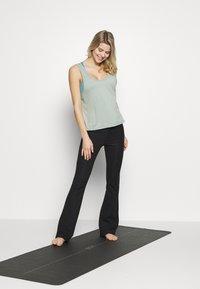 Cotton On Body - TWIST BACK TANK - Top - aloe - 1