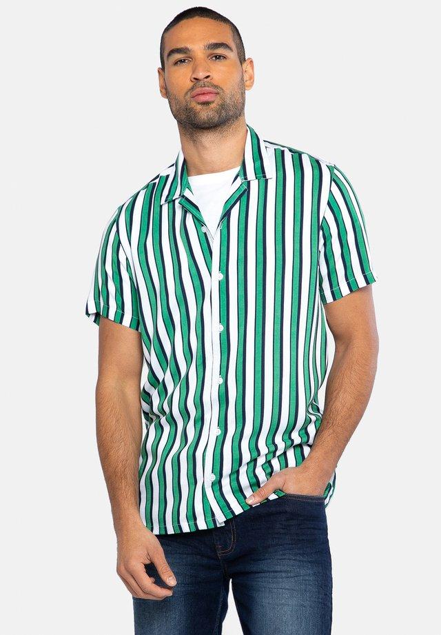PLANA - Overhemd - grün