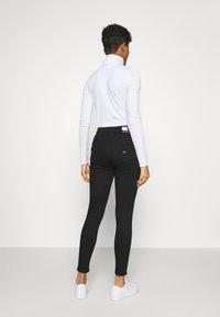 Tommy Jeans - SYLVIA SUPER SKNY - Jeans Skinny Fit - malmo black - 2