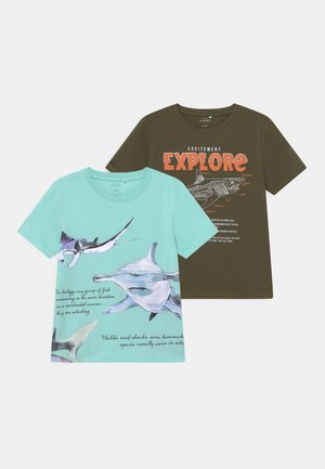 NKMVUX 2 PACK - Print T-shirt - ivy green