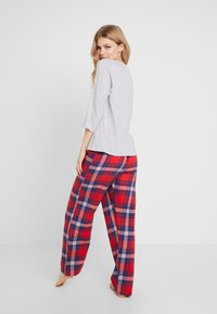 Dorothy Perkins - BAH HUM CHECK SET - Pyjamas - light grey - 2