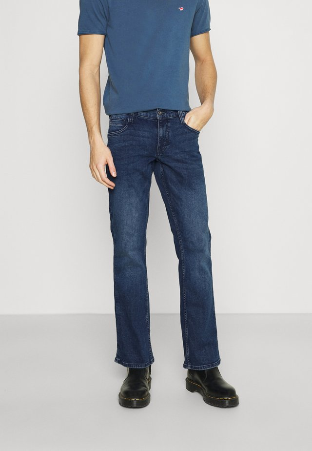 OREGON - Džíny Bootcut - denim blue