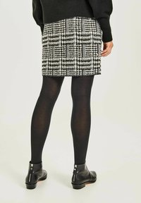 Opus - RAVENNA RETRO TWIST - Pencil skirt - schwarz - 1