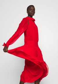 Victoria Beckham - DRAPED GATHERED DRESS - Vestito elegante - red - 3