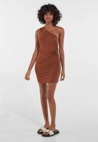 Bershka - Jerseykleid - brown - 1