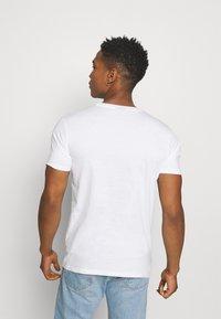 Ellesse - JACE - Print T-shirt - white - 2