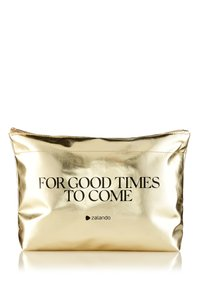 MAC - FOR GOOD TIMES TO COME: EXCLUSIVE BEAUTY KIT - Skincare set - mixed - 2