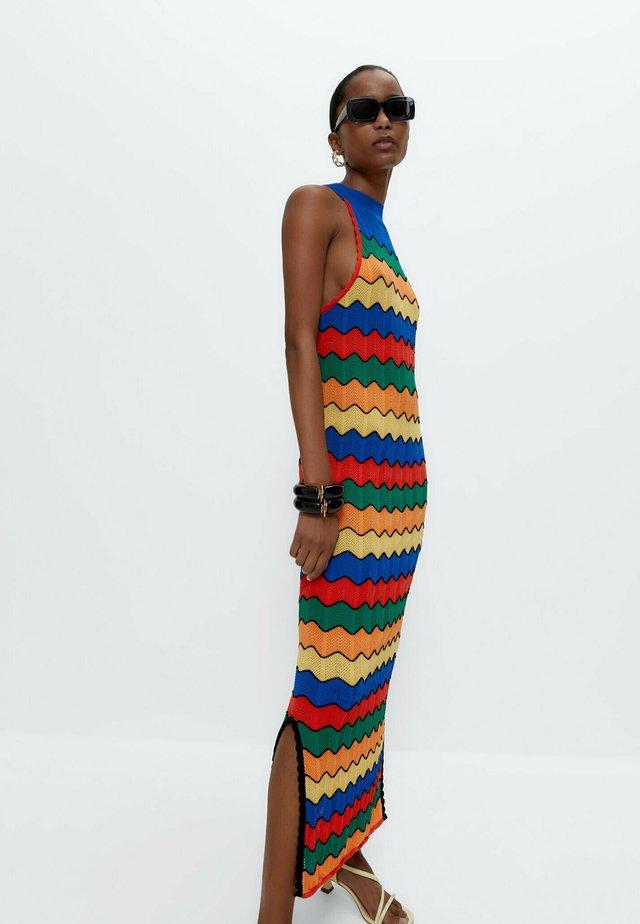 MIT NECKHOLDER - Gebreide jurk - multi-coloured
