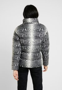 Urban Classics - LADIES HOODED PUFFER JACKET - Winter jacket - grey - 3