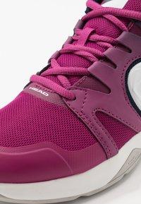 Head - SPRINT 2.5 CARPET WOMEN - Tenisové boty na umělý trávník - plum - 5