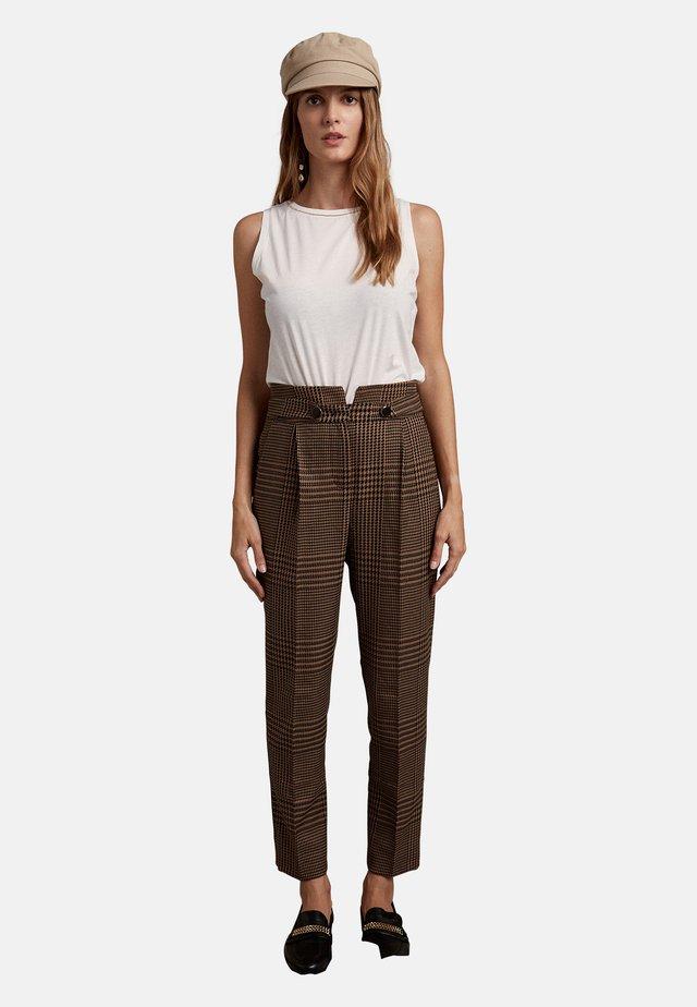 Pantalones - marrone