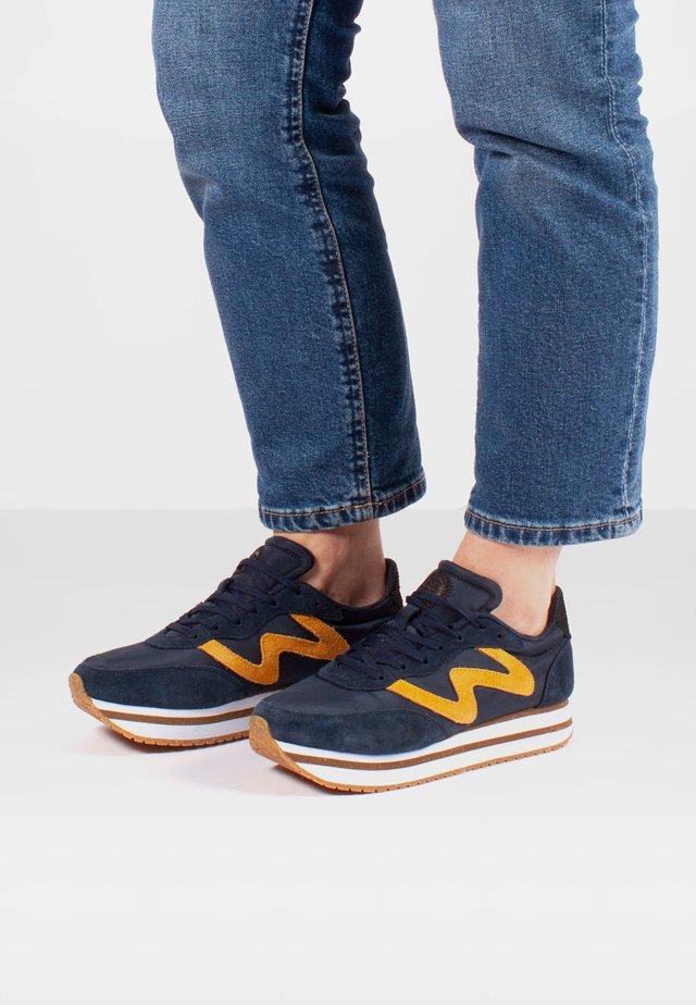 Olivia Plateau II  - Sneakersy niskie - blau/orange