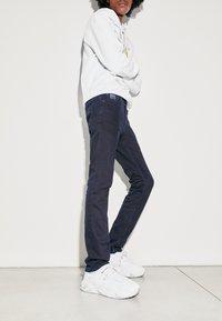 Versace Jeans Couture - Straight leg jeans - blue black - 3