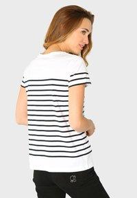 Armor lux - ETEL MARINIÈRE - Print T-shirt - blanc rich navy - 1