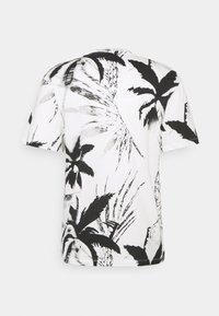 Jack & Jones - JORCOCO - Print T-shirt - cloud dancer - 1