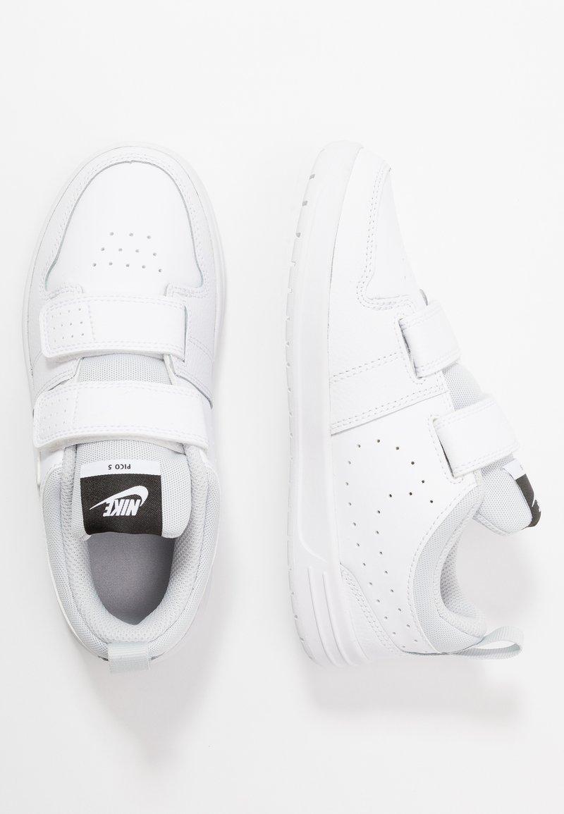 Nike Performance - PICO 5 UNISEX - Chaussures d'entraînement et de fitness - white/pure platinum