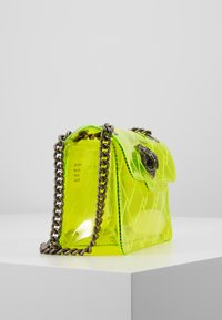 Kurt Geiger London - TRANSPARENT MINI KEN - Across body bag - yellow - 4