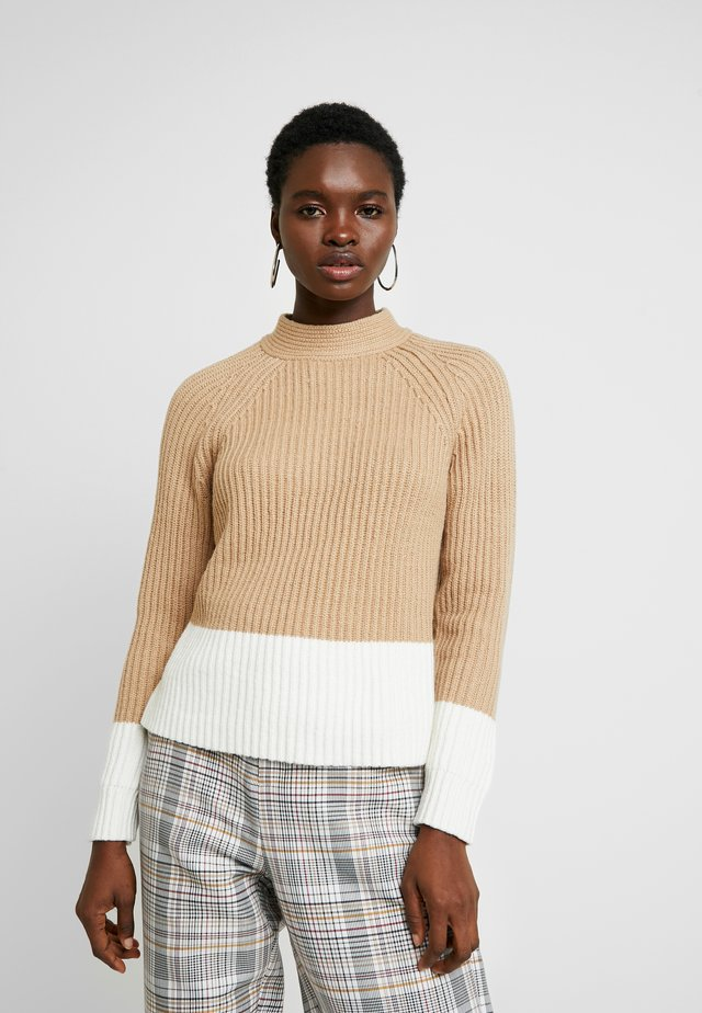 MOCKNECK COLOR BLOCKING - Neule - camel