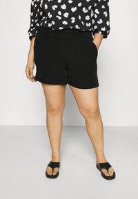 Vero Moda Curve - VMBIBI - Shorts - black - 0