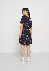 Vero Moda Petite - VMANNIE BELT SHORT DRESS PETITE - Day dress - night sky - 2