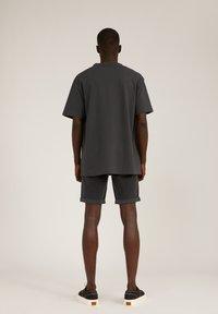 ARMEDANGELS - AALEX - Basic T-shirt - acid black - 2