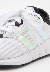 adidas Originals - SWIFT RUN X I UNISEX - Trainers - footwear white/core black - 5